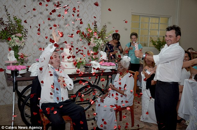 ازدواج زن 106 ساله با مرد 66 ساله در خانه سالمندان