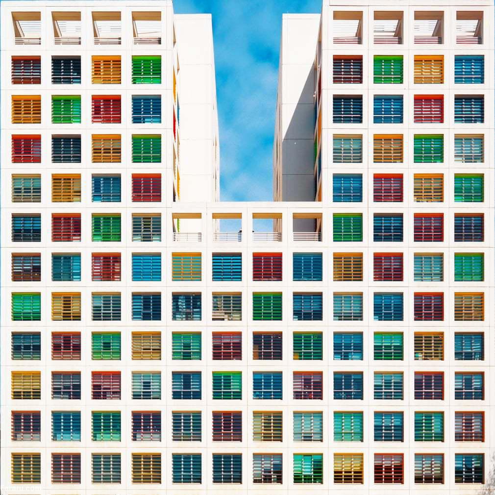 ساختمان رنگی 6