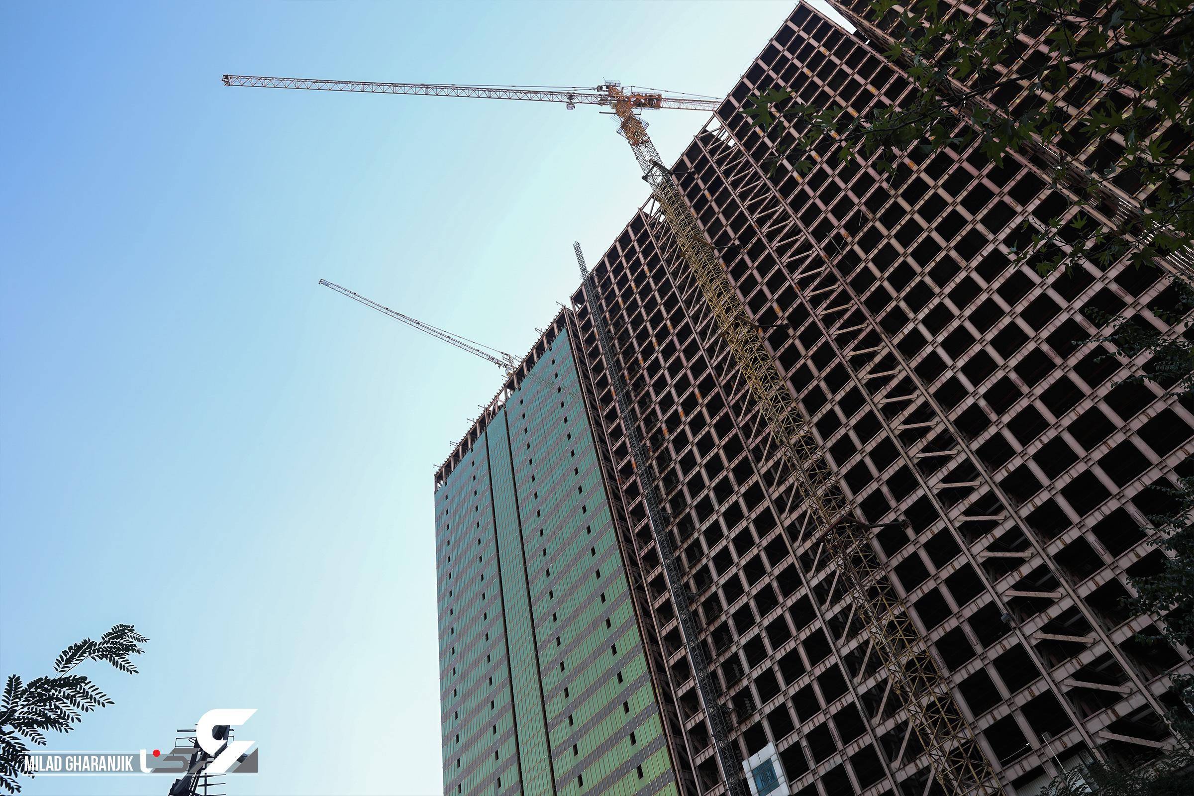 ساختمان های نیمه کاره
