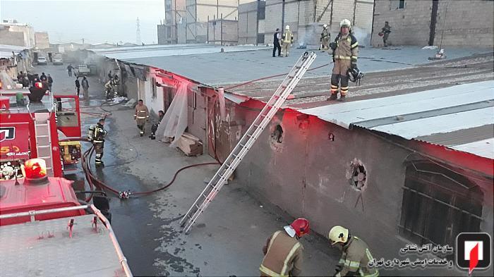 مهار آتش در کارگاه مبل سازی