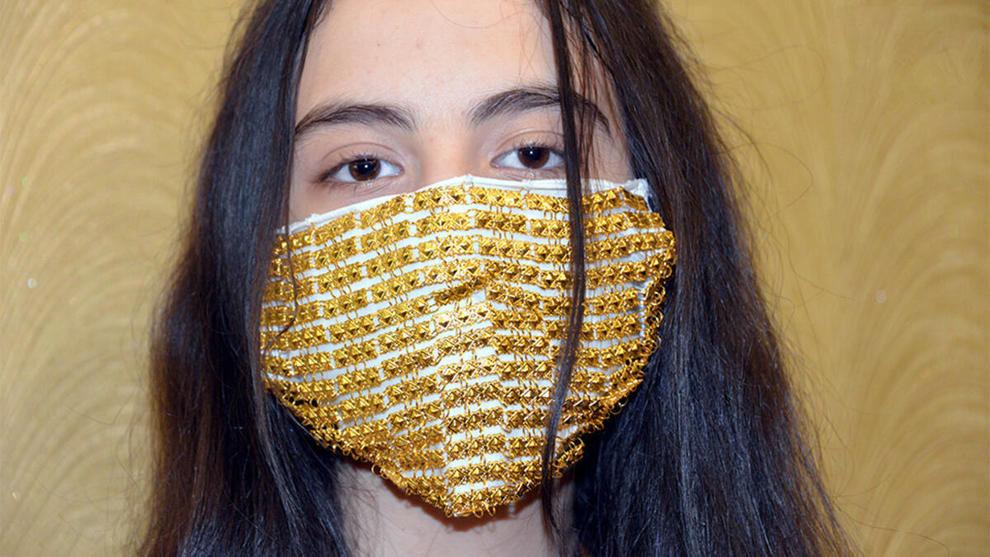 ماسک از جنس طلا