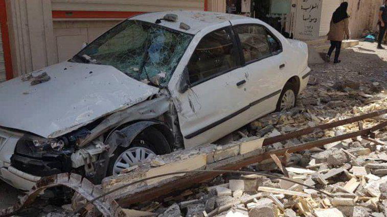 اولین تصویر از خسارتهای وارده براثر زلزله دقایقی پیش در مسجد سلیمان