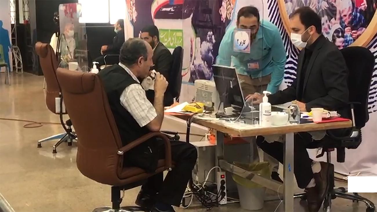 حاشیه های روز سوم ثبت نام انتخابات 1400