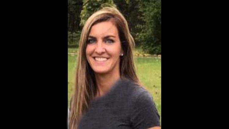 جسیکا لنگفورد،معلم منحرف در دادگاه حین شنیدن جزئیات رابطهاش با دانشآموز پسر 14 ساله در کلاس درس غرق اشک شد. با روژان همراه شوید.