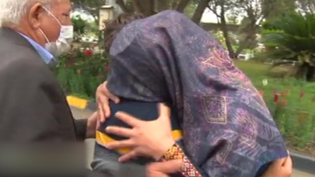 فیلم بازگشت پسر ربوده شده به آغوش مادر