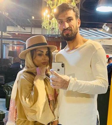 سلفی عجیب فوتبالیست معروف پرسپولیس با همسرش در روزهای کرونایی + عکس