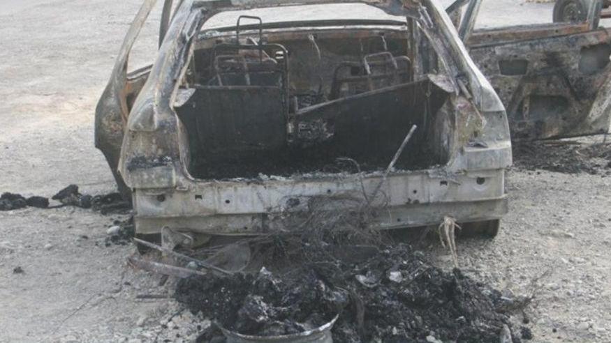 تصویری از خودروی قاچاقچیان مسلح میناب که در درگیری شب گذشته به پلیس به خاکستر تبدیل شد