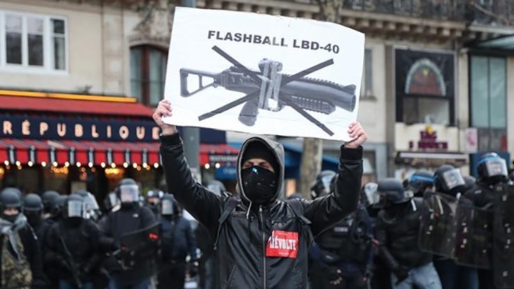 از دست دادن چشم بهای اعتراض در فرانسه