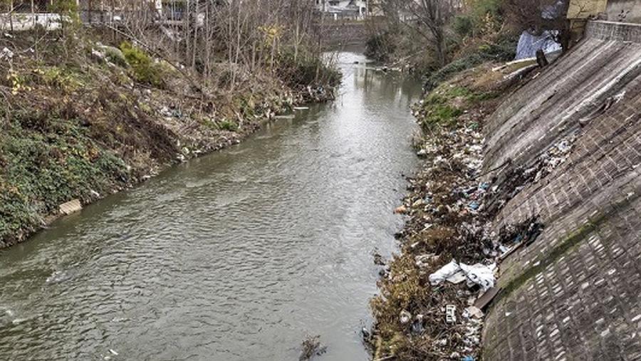 رودخانه ای در رشت