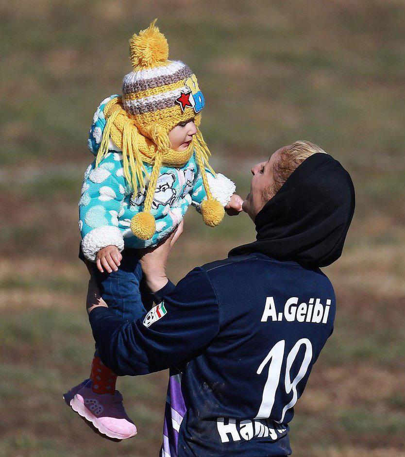 سختی های یک مادر فوتبالیست در ایران
