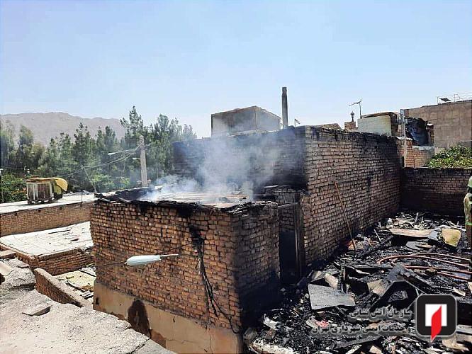 مهار آتش سوزی منزل مسکونی متروکه در جنوب پایتخت