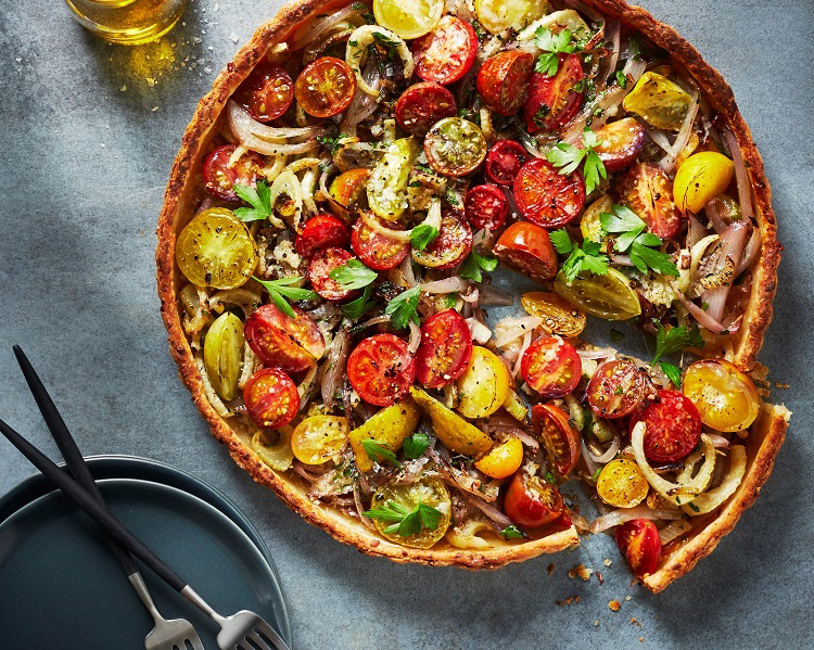 گوجه گیلاسی در پیتزا