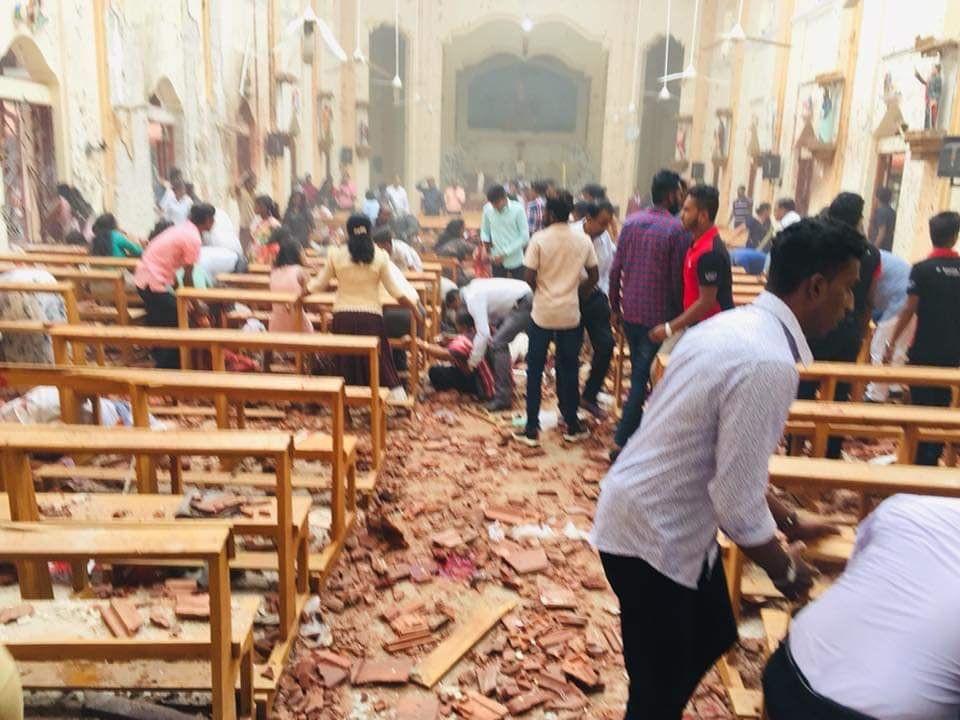 وقوع چندین انفجار در پایتخت سریلانکا؛ ۳۰۰ کشته و زخمی تاکنون + تصاویر - 11