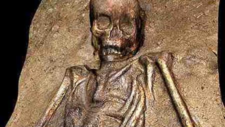 مشهورترین اشخاصی که زنده دفن شدند