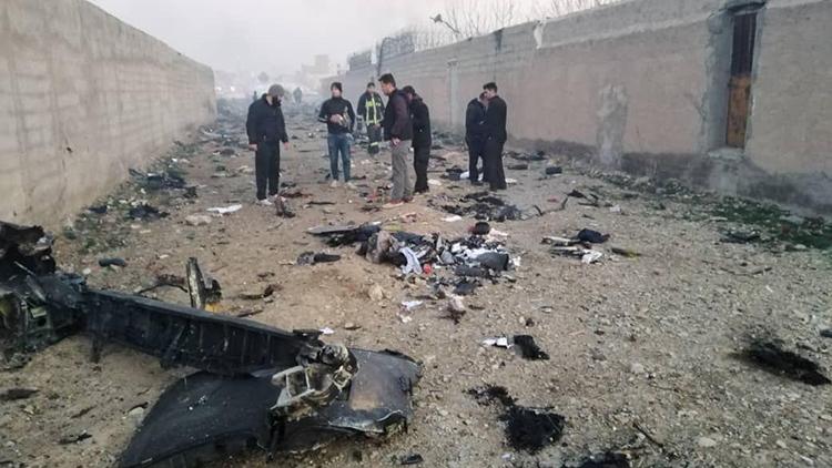 تصاویری از سقوط هواپیمای اکراینی در صباشهر رباط کریم