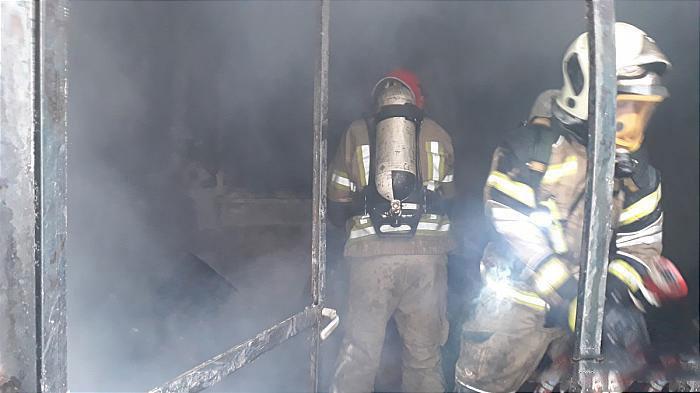 مهار آتش در خانه قدیمی