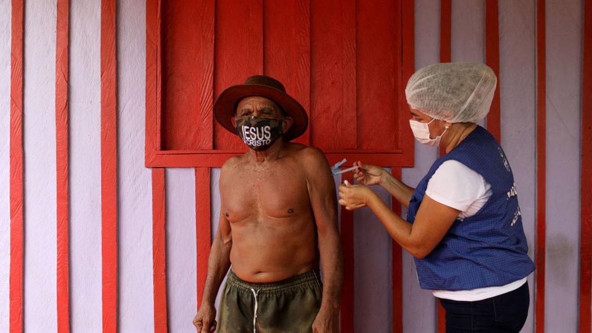 واکسیناسیون شدن در اماکن عجیب و غیر معمول