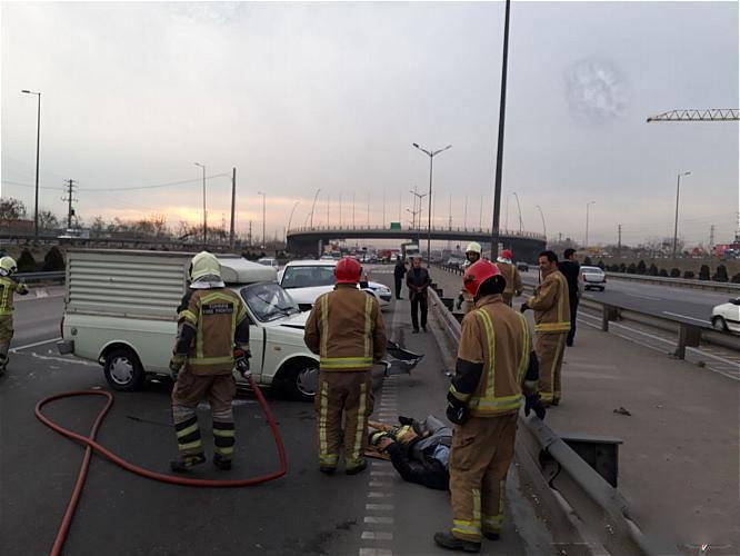 جاری شدن گازوئیل در بزرگراه آزادگان حادثه آفرید