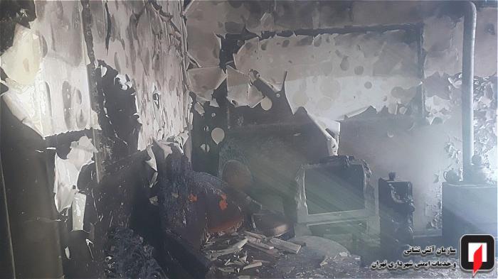 عملیات 125 برای مهار آتش در حیاط ساختمان مسکونی