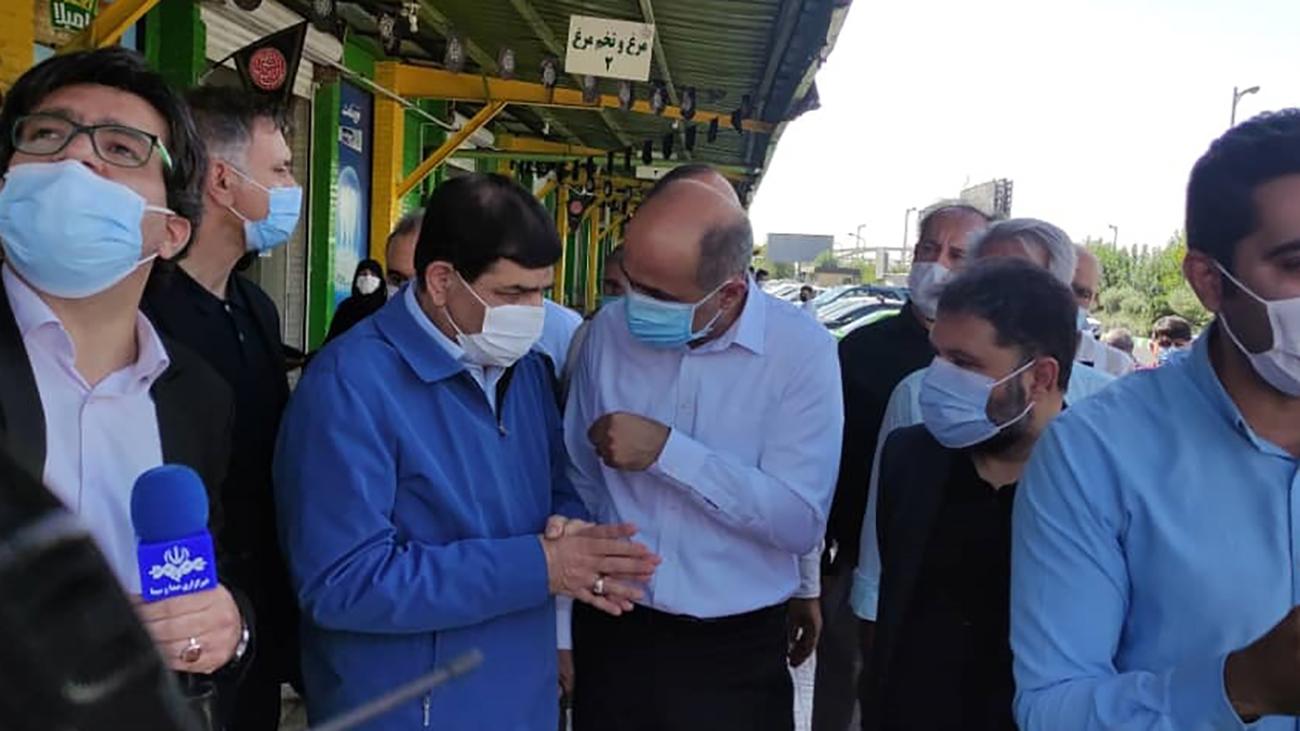 محمد مخبر در میدان میوه و تره بار