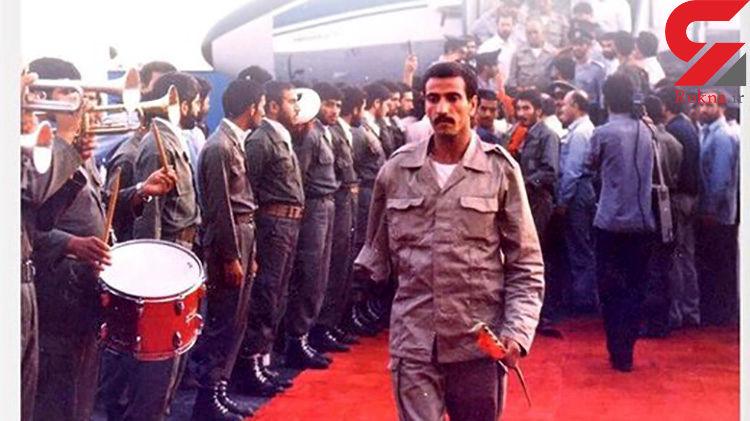 امضای صدام به روی قرآن های اهدایی به اسرای ایرانی