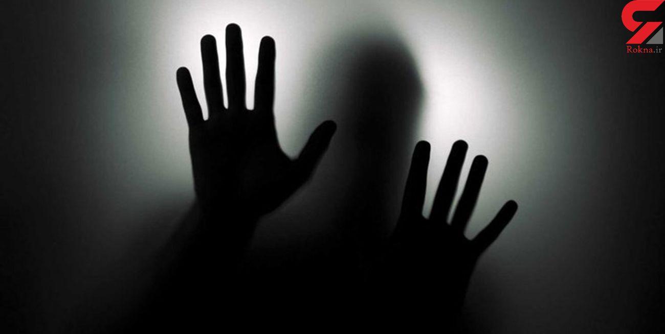 بازداشت نوعروس خائن در خانه مجردی دوست شوهرش / داماد بی نوا پلیس مشهد را خبر کرد
