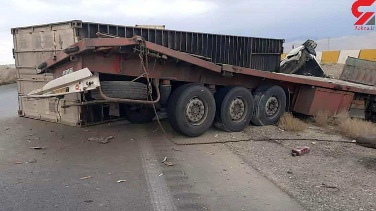 واژگونی خونین تریلی در جاده تهران - سمنان