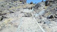مسیر دسترسی قلعه ضحاک سنگ فرش شد + عکس