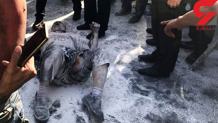 حال فردی که مقابل شهرداری خودسوزی کرد خوب نیست +عکس
