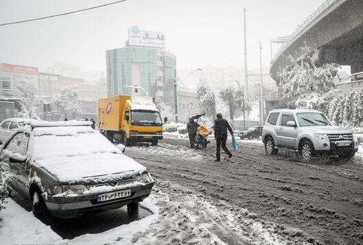بارش برف و باران نیمی از استانهای کشور را فرا گرفت