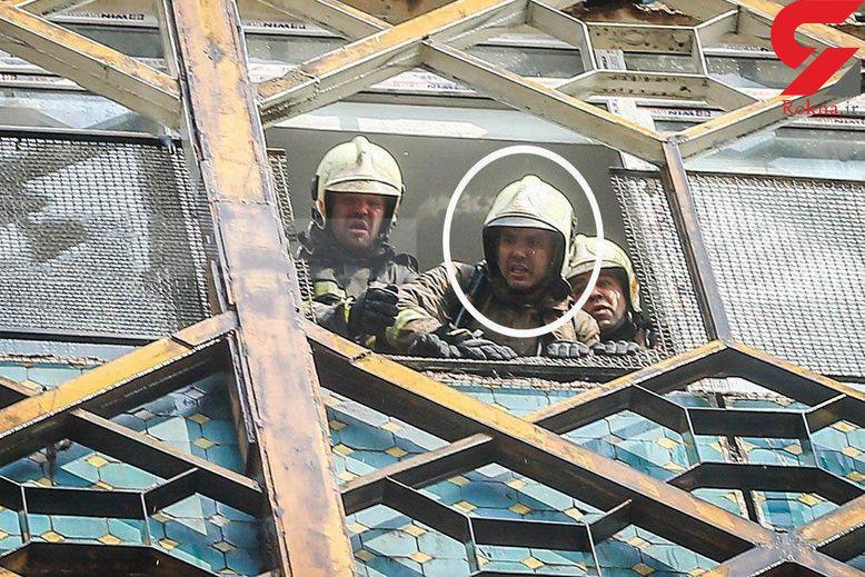 آخرین عکس از آتش نشان شهید رضا شفیعی در پشت پنجره پلاسکو