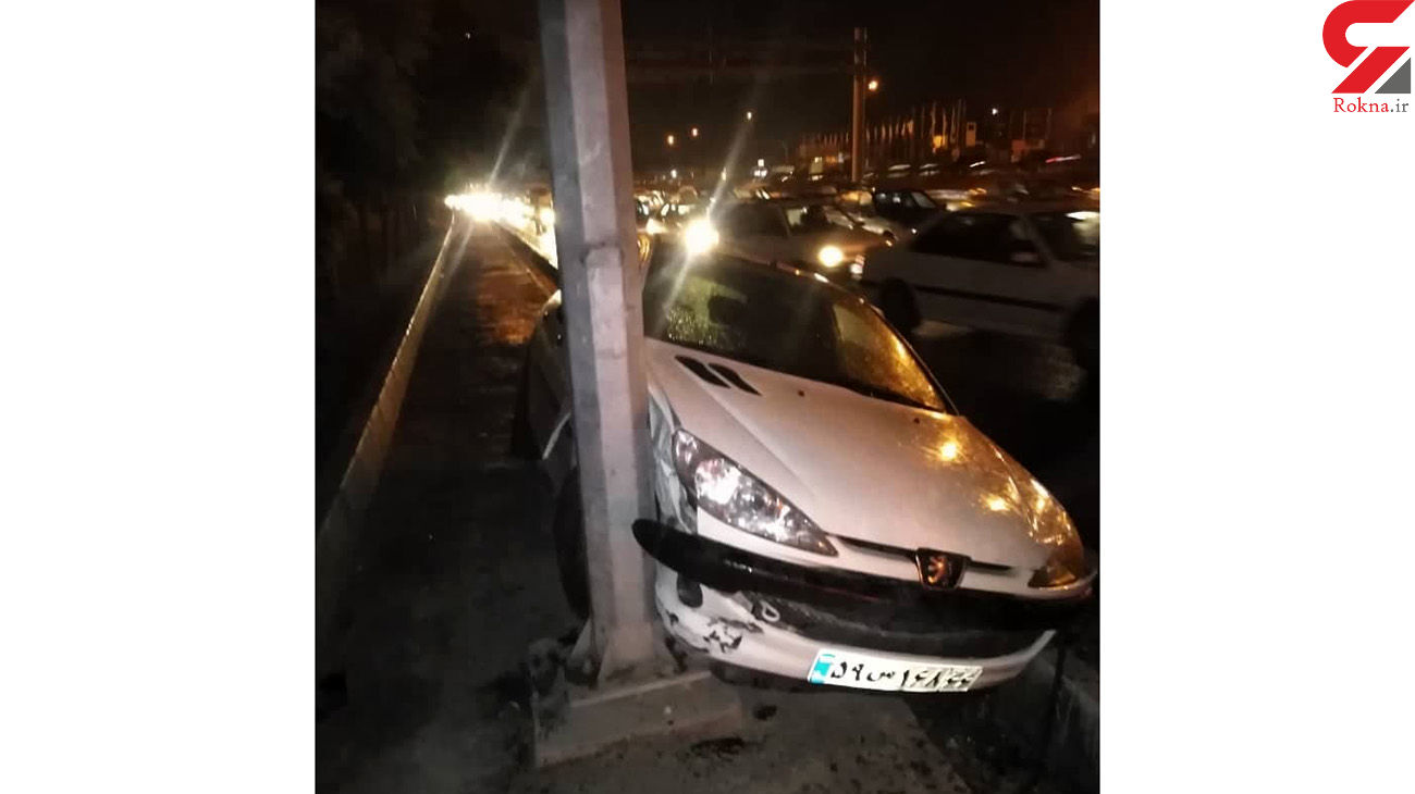 عکس از تصادف شدید پژو 206 با تیرچراغ برق / در تهران رخ داد
