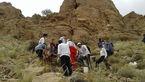 عکس های انتقال جسد کوهنورد یزدی به پایین کوه