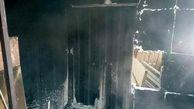 نجات ۱۳ زن و مرد کرجی از محاصره دود و آتش