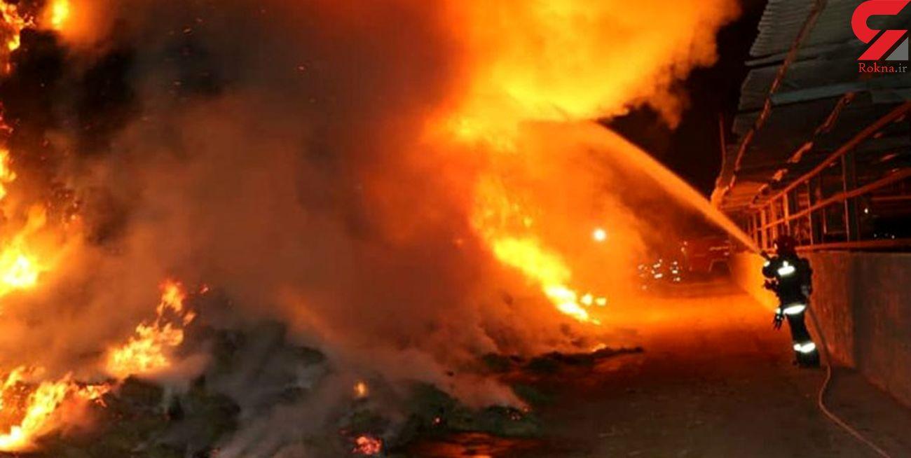 آتش سوزی گسترده کارخانه مصنوعات چوبی در جاده خاوران + جزئیات