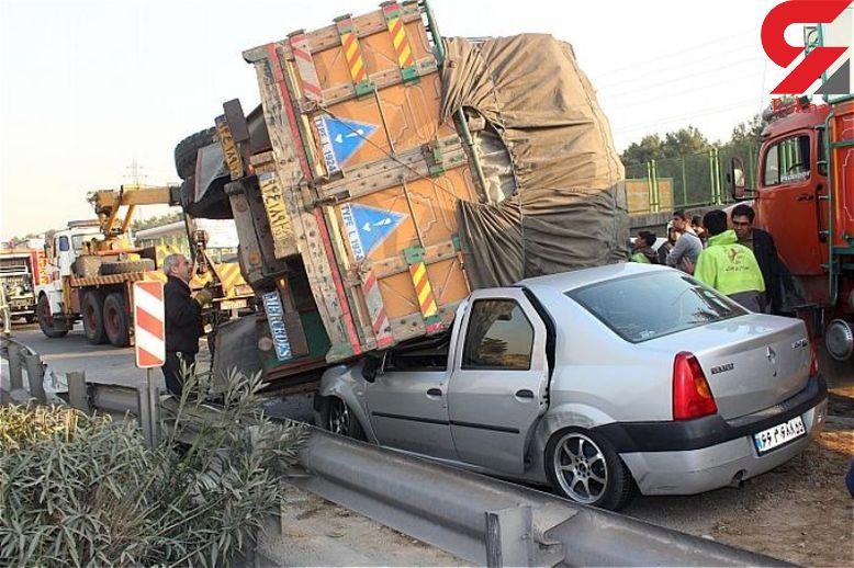عجیب ترین عکس از له شدن ال 90 زیر کامیون / مرگ 5 مسافر در مهران