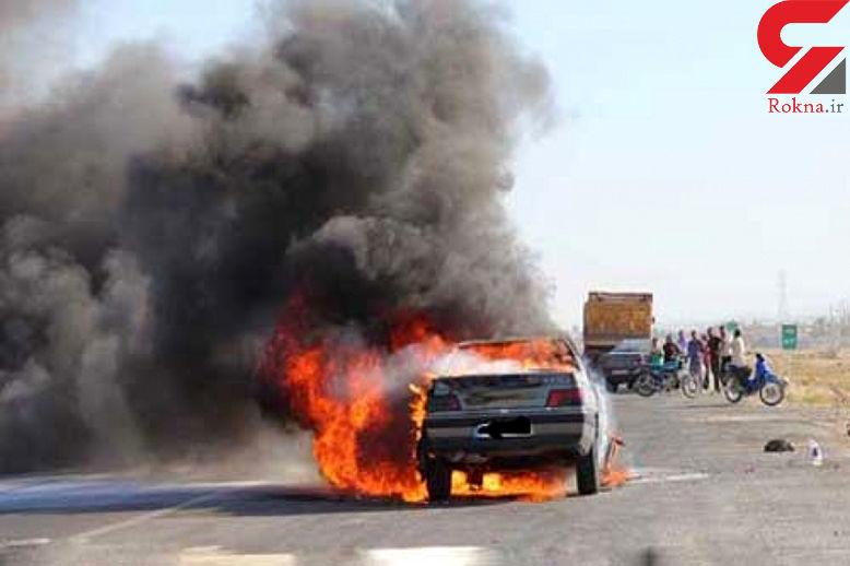 راننده خودرو میان شعله های آتش سوخت