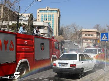 ضد عفونی خیابان ولیعصر تهران با خودروهای ضد کرونا شهرداری +تصاویر