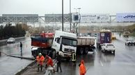 وقوع 6 سانحه رانندگی پس از نخستین بارش پاییزی در مشهد