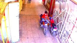 فیلم سرقت حرفه ای موتورسیکلت توسط یک پسربچه