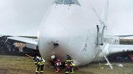 لغزیدن هواپیمای بوئینگ هنگام فرود حادثه ساز شد + فیلم لحظه حادثه