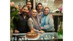 جشن تولد آقای بازیگر  کنار خانواده اش در یک ساعت فروشی! + عکس