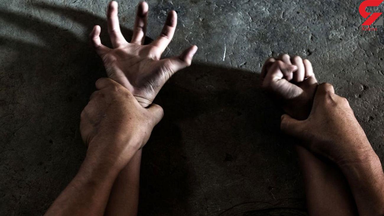 آزار شیطانی دختر 15 ساله در خانه مخوف همسایه / 2 پسر نوبتی سراغش رفتند