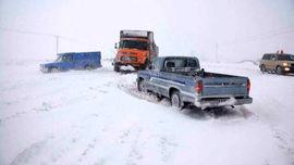 امدادرسانی به گرفتاران در برف در سمنان