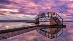 پلی به ناکجا که ساعتی از روز نه مقصد دارد نه مبدا !