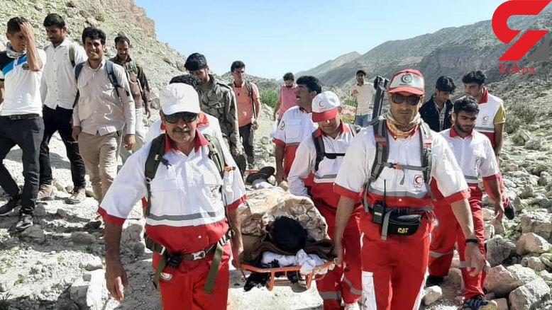 نجات کوهنورد گمشده در کوه های مکو شهرستان جم + عکس