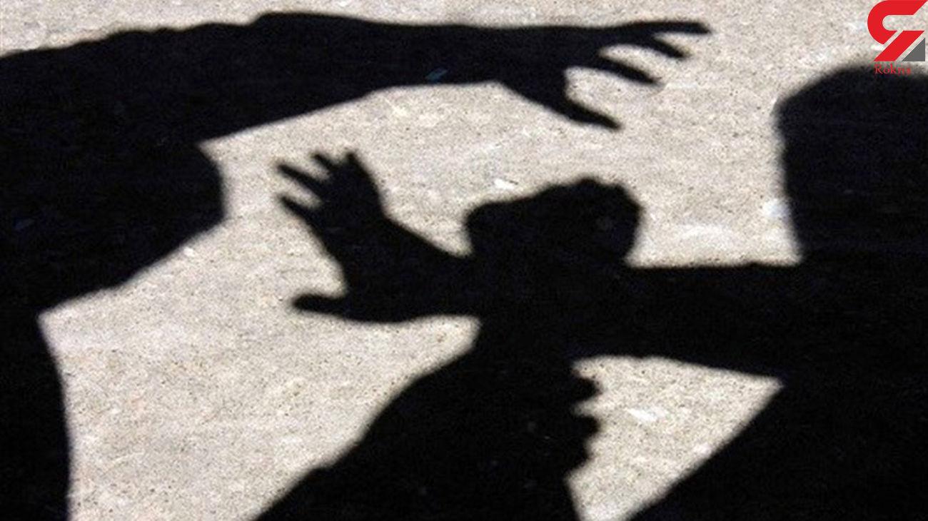حمله مرد مست به یک زن هنگام حمام آفتاب