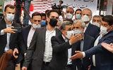 فیلم کتک کاری در لحظه ورود احمدی نژاد به وزارت کشور/ تذکر جدی احمدی نژاد