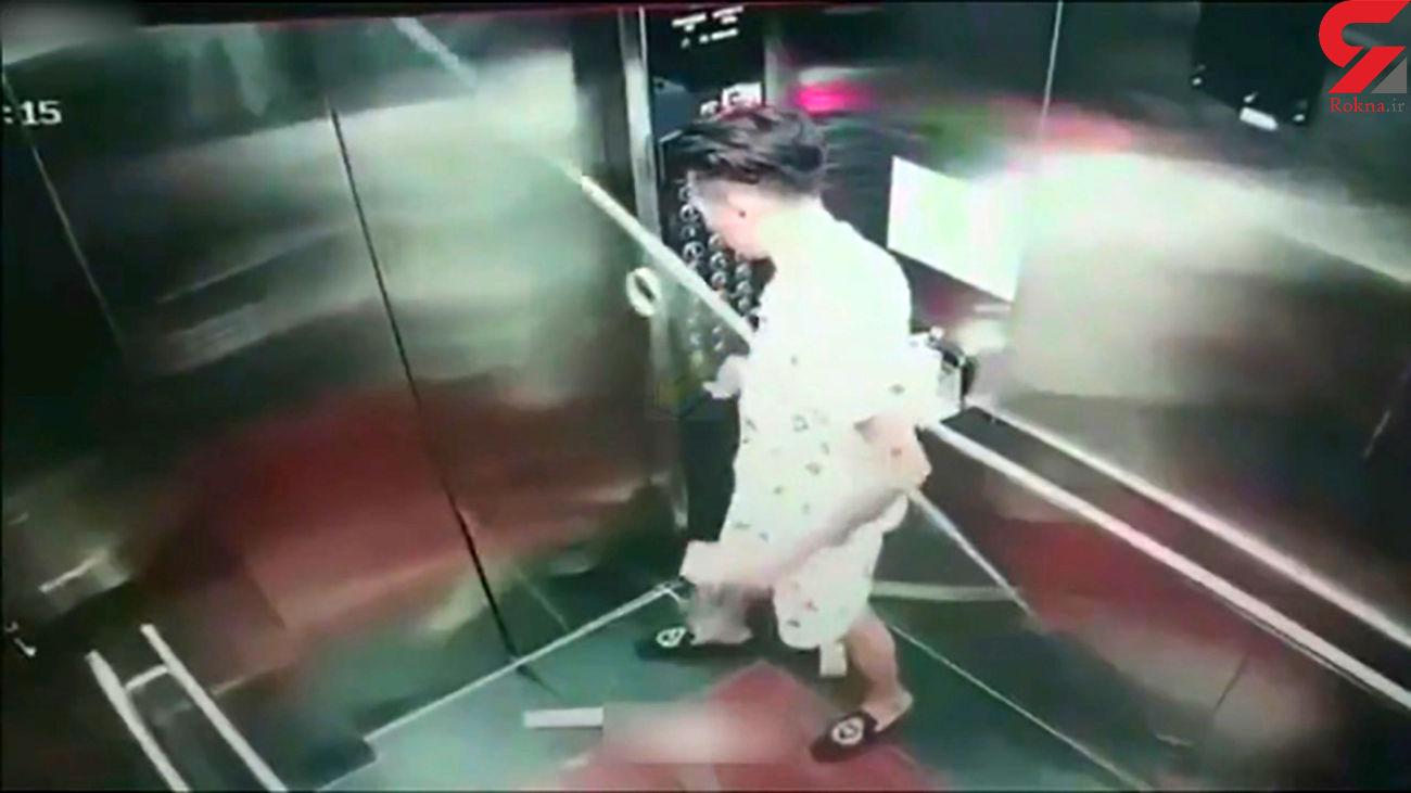 حادثه وحشتناک برای دو مرد در آسانسور + فیلم