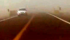 صحنه هایی از طوفان شدید شن در محور ترانزیتی ریگان - چابهار + فیلم